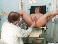 Vilma mature pussy speculum gy