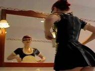 Latex Maidscheerleader pressen scheiss Transvestitenschwein tot