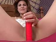 Milf closeup pussy mastur...