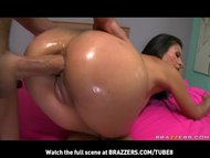 NATURALTIT BIG ASS LATINA...