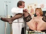 Redhead dirty pussy stretching in gyn clinic