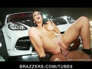 BIG TIT BIG ASS PORNSTAR JAYDEN JAYMES ANAL FUCKED BY MECHANIC