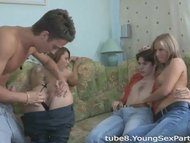 Teen couples share sex ex...