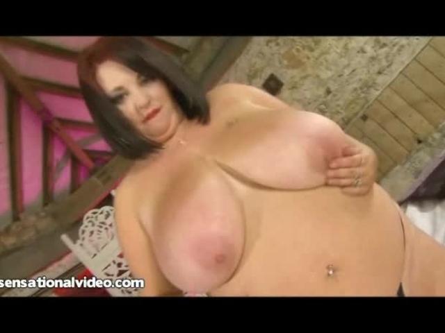 British BBW MILF Meow 34JJ Puts a Big Dildo Between Her Tits