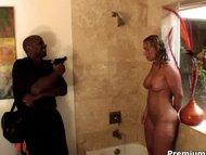 Mellanie Monroe fucks her robber