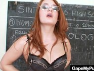 Redhead babe Denisa Heave...