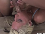 Tricia Oaks gets her mout...