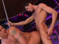 Strippers Fuck Ass Live O...