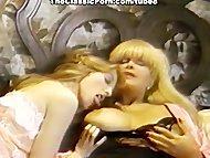 Retro lesbians convulse from o
