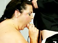 Fat matures wrestle for t...