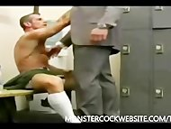 SUCKING HUNG COCK IN SUITE