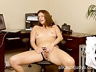 Milf Alicia Silver opens up he