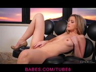 Babe - Supple blonde Abigaile Johnson loves to play