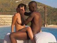 Ebony Outdoor Sex Techniq...