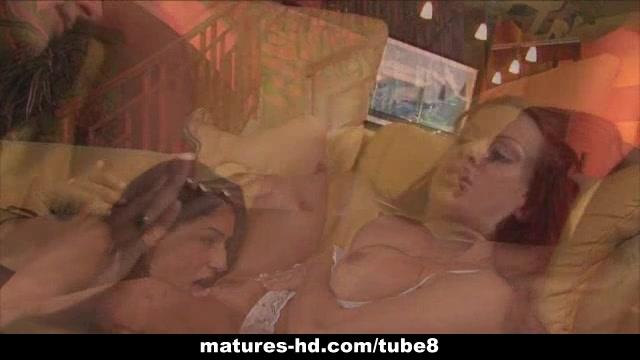Mature lesbian MILFs get it on
