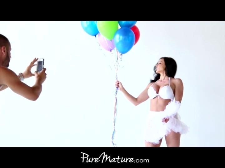 PureMature Photographer fucks model housewife