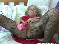 Granny with big tits wear…