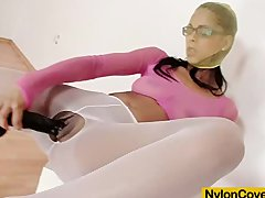 Latina Isabella Chrystin loves tights