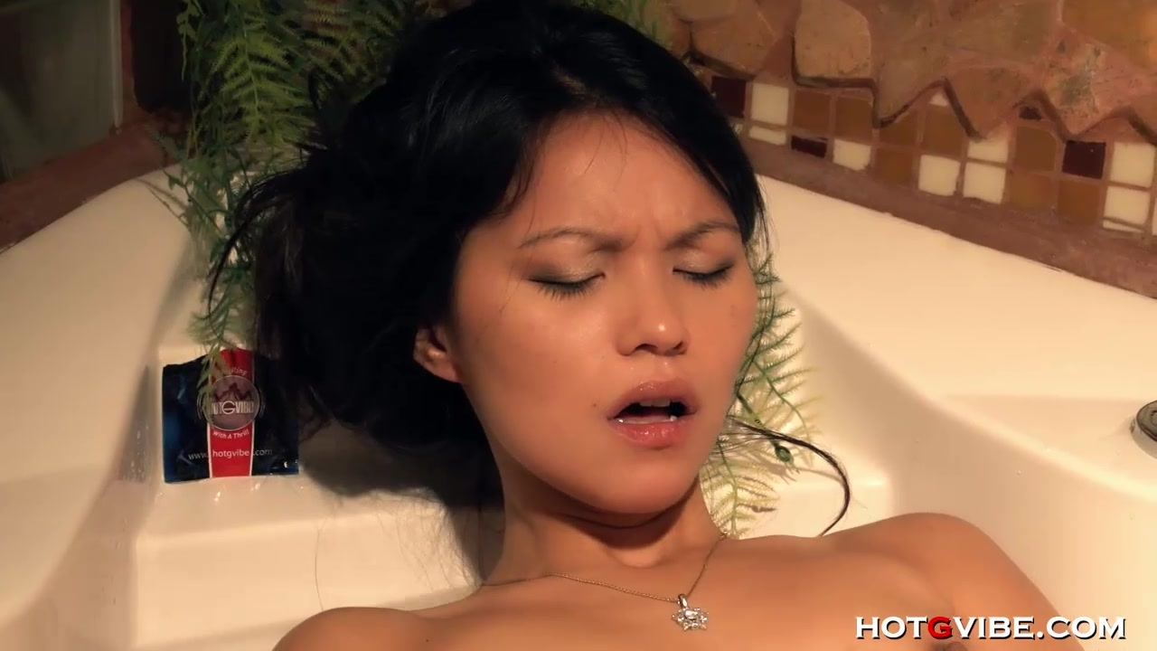 Teen Asian Squirts in Bath
