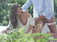 Blowjob Outdoor xxx: Sweep me off my feet!