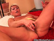 Saggy granny fucks a dild…