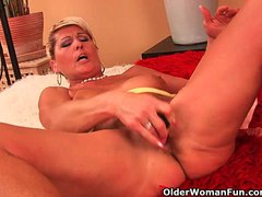 Saggy granny fucks a dildo and fingers her ass
