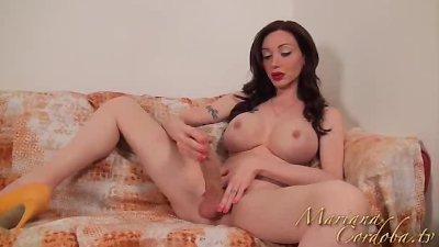 Mariana Cordoba Playing with my yellow dildo