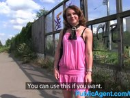 PublicAgent Guliable MILF shows her thing and fucked outdoors