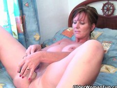 Masturbation Solo video: Mom needs to get off after watching online porn