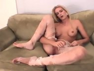 Blonde amateur cutie rips up h