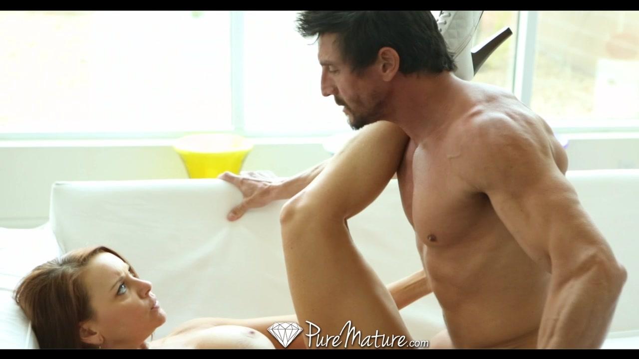 HD PureMature - Hot curvy Janet Mason sucks guys hard cock