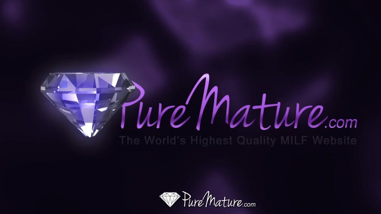HD PureMature - Courtney Cummz orgasms from her hardcore massage