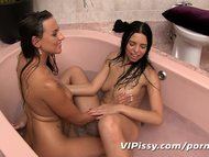 Sexy girlfriends bathe in hot piss