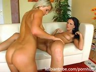 two hot girls lesbian lick pussy and fingering blonde and brunette