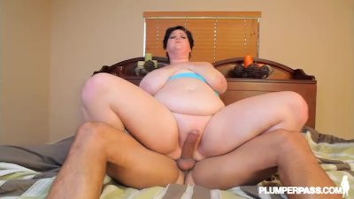 Huge Tit MILF BBW Sucks Ice Cream Cone and Huge BBC DICK