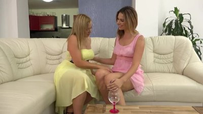 Blonde pissing lesbians love to lick pussy and drink piss