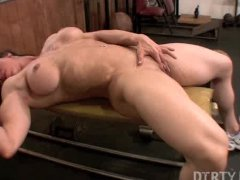 Alexis  DirtyMuscle  Big Clit Workout
