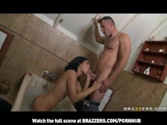 YOUNG RUSSIAN DAUGHTER DOES ANAL IN SHOWER