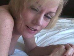 MILF Melanie gets creamed