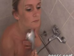 Sexy Mother washing her hot cunt