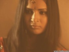 - Sexy Indian lady doing...
