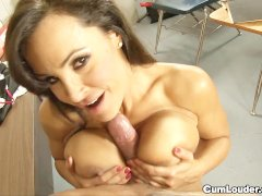 MILF Lisa Ann wants to learn spanish with a cock in her mouth