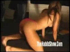 amatuer strippers shaking their ass n booty fuck clip1