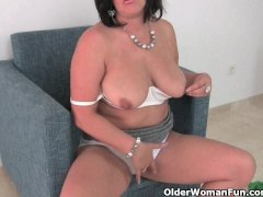 - Busty mature mom in wh...