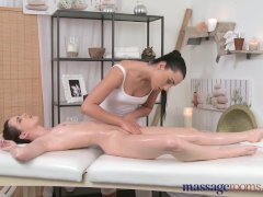 - Massage Rooms Teen les...