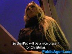 PublicAgent Blonde mee...