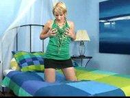 Cute Katelyne flips her b...