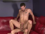 Bearded hung top pounds h...