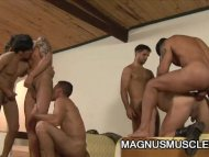 Six Muscular Soldiers Wil...