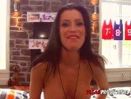 Amy Lee Fourre avec 6 Gars